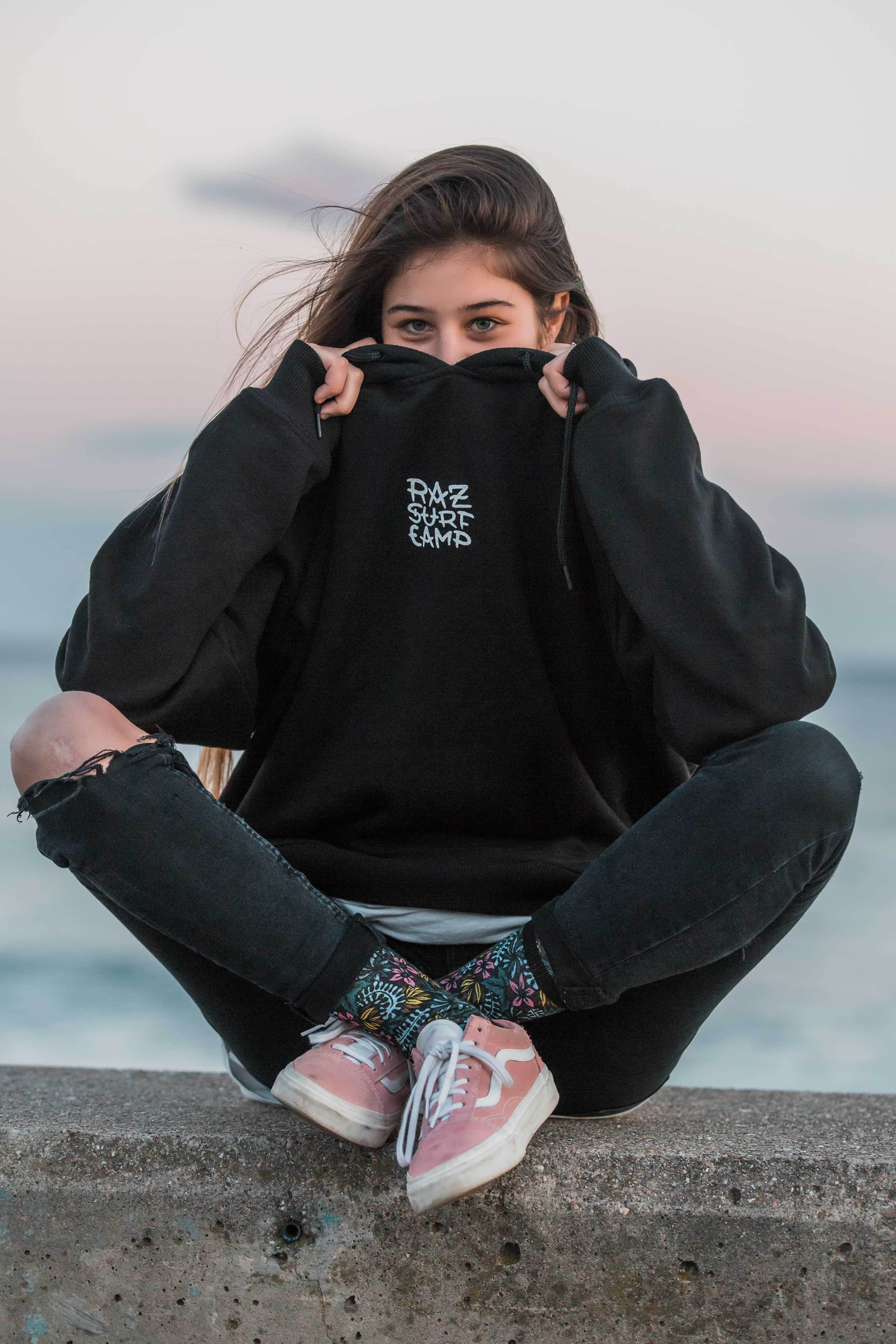 moda surfera streetwear surfing clothing raz surfcamp razo praia playa badalona